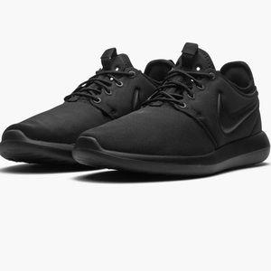 Nike Roshe 2 in triple black